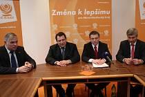 Představitelé ČSSD na středeční společné tiskové konferenci v Ostravě.