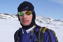 Šestačtyřicetiletý Jiří Čech dokončil nejtěžší závod světa s názvem Arctic Circle Race na 16. místě.
