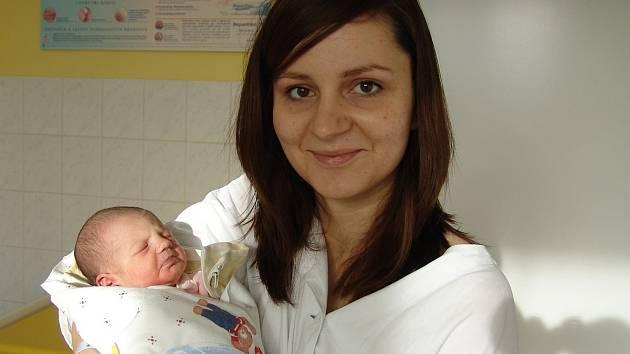 První letošní miminko ve frýdecko-místecké porodnici – Ela s maminkou.