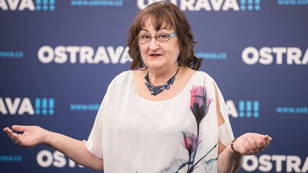 Lenka Kocierzová, známá malířka, grafička nebo kronikářka, zvítězila v ostravské anketě Senior roku 2017.