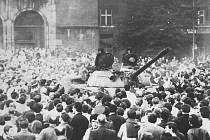 Při obsazování krajských a městských úřadů v Ostravě naváděli v srpnu 1968 sovětské tanky spolehliví komunisté, kteří o svých úkolech věděli předem.