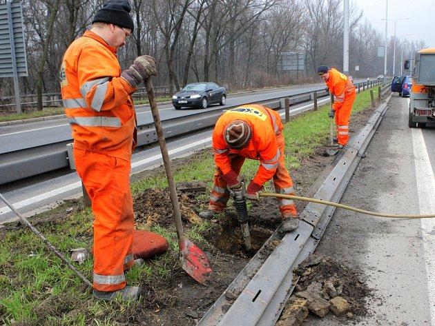 Některé silnice v kraji jsou po zimě v katastrofálním stavu.