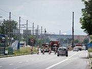 V Plzeňské ulici už začaly přípravné práce před rekonstrukcí. Ta začne během června, přesný termín vzejde z pondělního jednání.