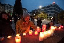 Připomenutí 17. listopadu na Masarykově náměstí v Ostravě.