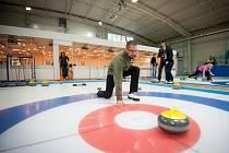 Ostravané si mohou po celý duben vyzkoušet jednu z olympijských disciplín, curling, a to na Zimním stadionu v Porubě. Akce probíhá v rámci projektu Ostrava – Evropské město sportu 2014.