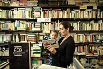 Antikvariát. Mezi nejprodávanější knihy v nich patří dětské pohádky a příběhy.