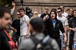 Šedesát lidí bylo zajištěno po sobotní demonstraci proti imigrantům, která se konala na Masarykově náměstí. Protestující se po ukončení akce vydali do Ostravy-Přívozu.