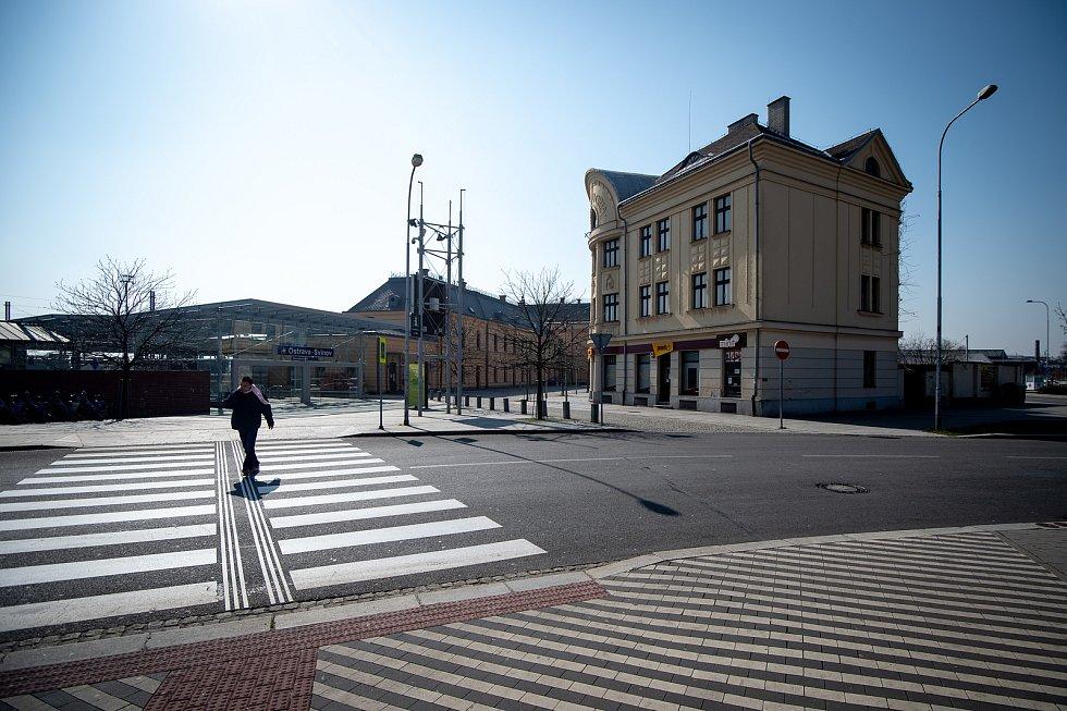 Ostrava-Svinov v čase, kdy je na území České republiky vyhlášen nouzový stav. Ilustrační foto, 28. března 2020.