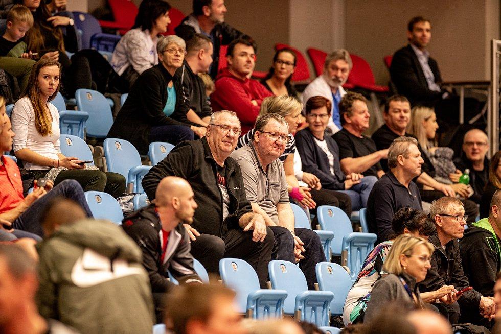 Halové mistrovství ČR mužů a žen v atletice, 23. února 2020 v Ostravě. Fanoušci.