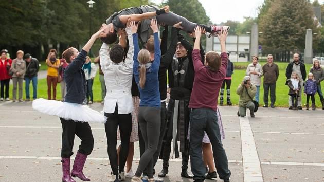 Balet v Komenského sadech