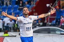 FC Baník Ostrava - Bohemians 4:1 (utkání 9. kola FORTUNA:LIGY, 25. 9. 2021). Důležitý vyrovnávací gól slaví domácí záložník Lukáš Budínský.