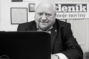 Pavel Bartoš v ostravské redakci Deníku.