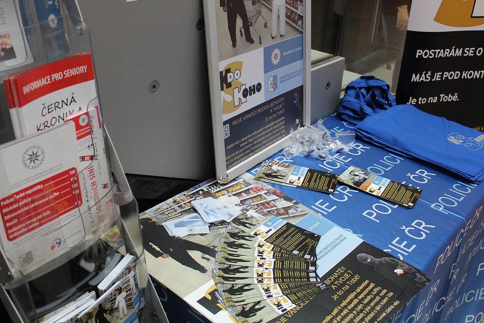 Preventivní kampaň v pátek začala i v obchodním centru Nová Karolina v Ostravě.