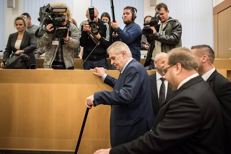 Prezident Miloš Zeman při návštěvě krajského úřadu v Ostravě ve středu 2. listopadu 2016.