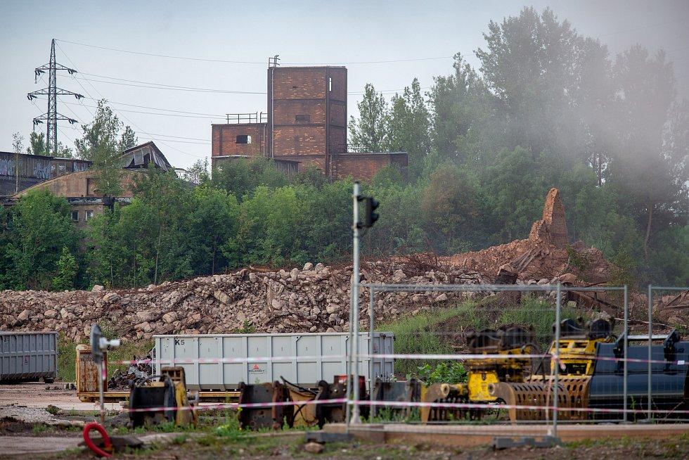 Odstřel ostravského komínu Strakáč, 3.srpna 2019 v Ostravě.