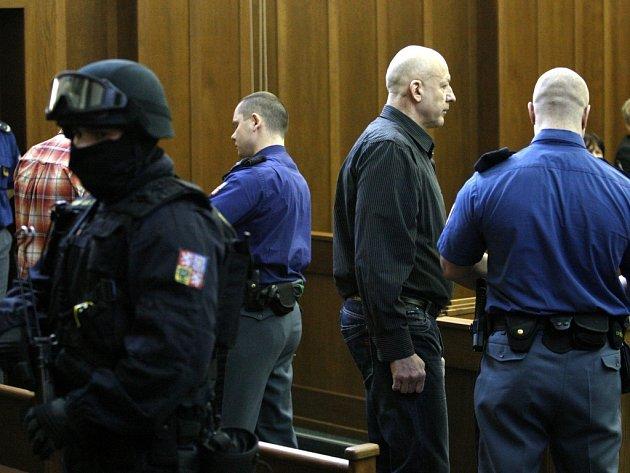 Soudní projednávání brutální vraždy manželského páru z Bohumína.