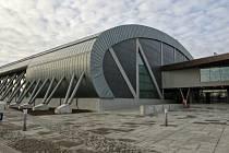 POSLEDNÍM VÍTĚZEM z roku 2016 je novostavba atletické haly v Ostravě-Zábřehu.