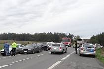 Tři jednotky hasičů i Policii ČR přivolal k dnešní nehodě ve Velké Polomi automatický systém nouzového volání Sync Ford.