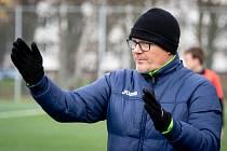 Přípravný fotbalový zápas Petřkovice - Dětmarovice, 15. února 2020 v Ostravě. Trenér Petřkovice Lubomír Adler.