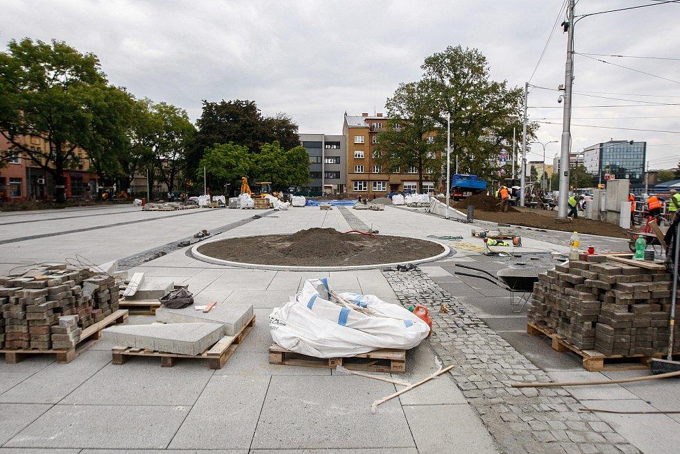 Rekonstrukce náměstí v Mariánských horách.