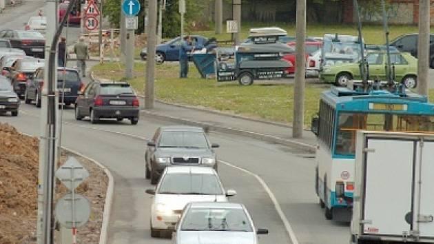 Dostat se autem do centra Ostravy je v poslední době značně obtížné.