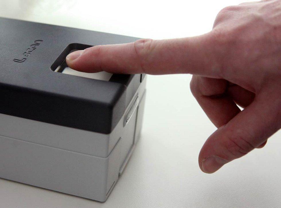 Pro získání nového pasu je teď zapotřebí otisk prstů