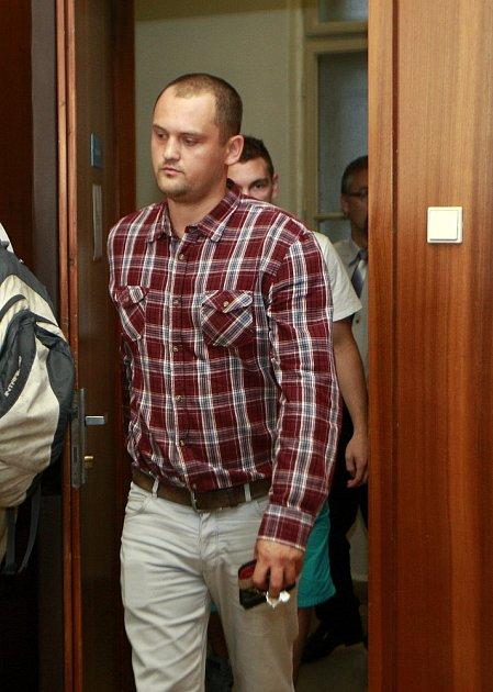 Petr Hlava při příchodu do soudní síně.