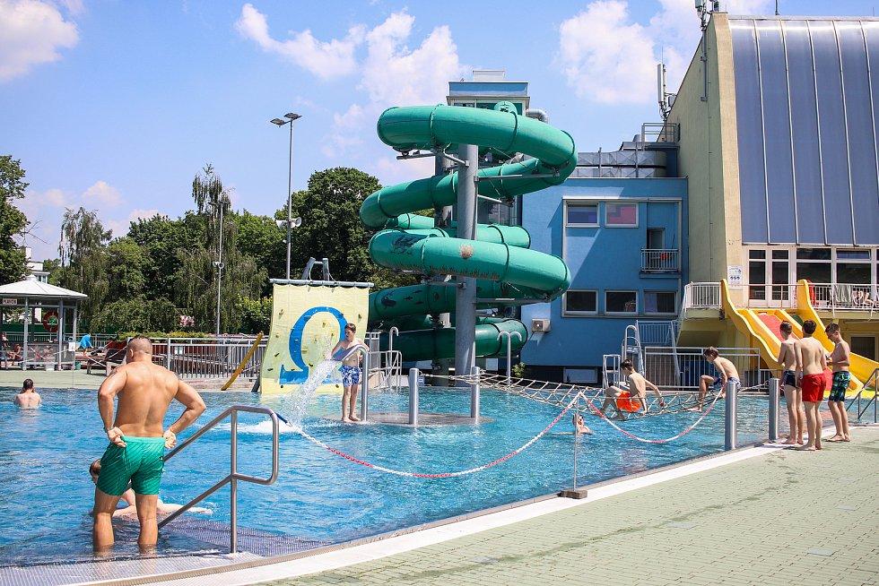 Ostravské koupaliště Vodní svět Sareza (bývalá Čapkárna), neděle 2.června 2019.