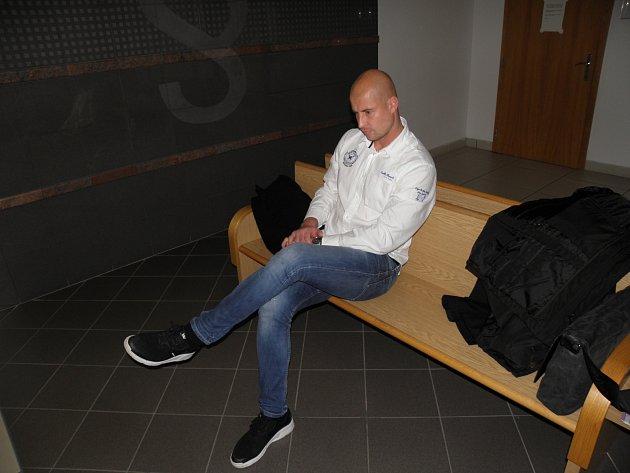 Úterního hlavního líčení u ostravského okresního soudu se zúčastnil i brankář Petr Bolek.