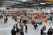 PRVNÍ CENTRÁLNÍ EVROPSKÉ SERVISNÍ STŘEDISKO pro servis motorů a generátorů a repase robotů otevřela v Ostravě-Hrabové společnost ABB.