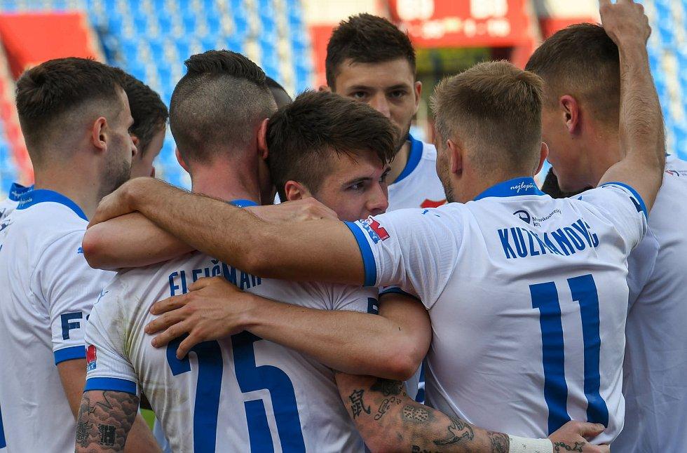 Fotbalisté Baníku Ostrava odehráli v sobotu 15. května 2021 utkání 32. ligového kola se Zlínem. Radost domácích.