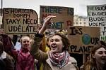 Studenti v Ostravě se 15. března 2019 připojili k celosvětové protestní akci, která má za cíl přimět politiky důsledněji chránit klima a snižovat emise.