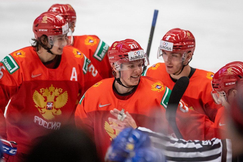 Mistrovství světa hokejistů do 20 let, semifinále: Švédsko - Rusko, 4. ledna 2020 v Ostravě. Na snímku (uprostřed) Pavel Dorofeyev (RUS).