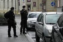 Strážníci v pátek rozdávali pokuty u pošty v centru Ostravy.