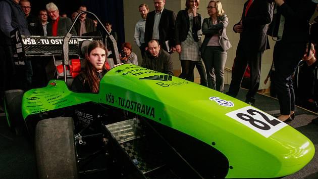 Představení třetí modelové řady závodničky Vektor, která vznikala na VŠB-TUO.
