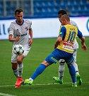 I. liga, 4. kolo, FC Baník - FK Teplice: 3 : 3, na snímku vlevo Lukáš Pazdera, vpravo Jan rezek