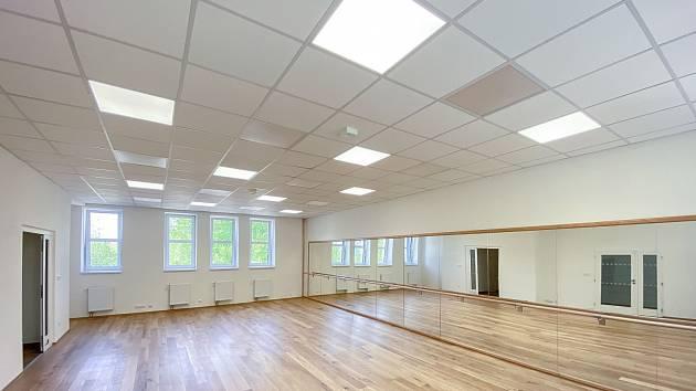 Prostory centra uměleckých terapií Skořápka disponují místnostmi vybavenými pro různé typy uměleckého vyžití.