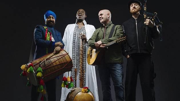 Afro Celt Sound System po sedmi letech vystoupí na festivalu Colours of Ostrava 2017.