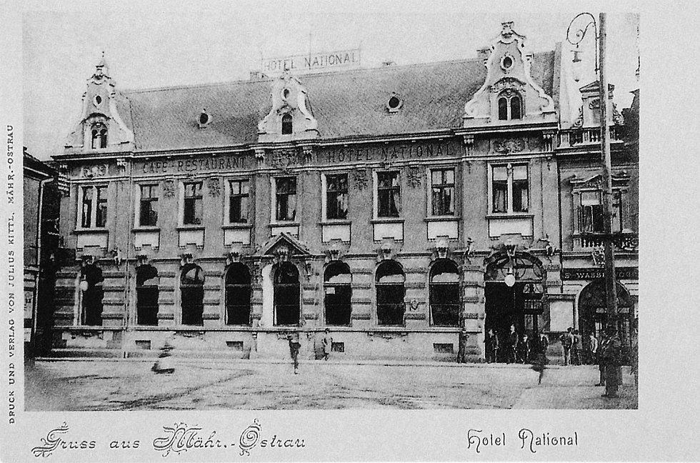 Na místě zbořeného nejstaršího obecního hostince U zeleného stromu vyrostl po roce 1888 hotel National. Později ho nahradil nový hotel přejmenovaný na Palace.