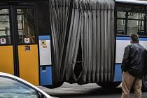 Nehoda autobusu. Ilustrační foto.