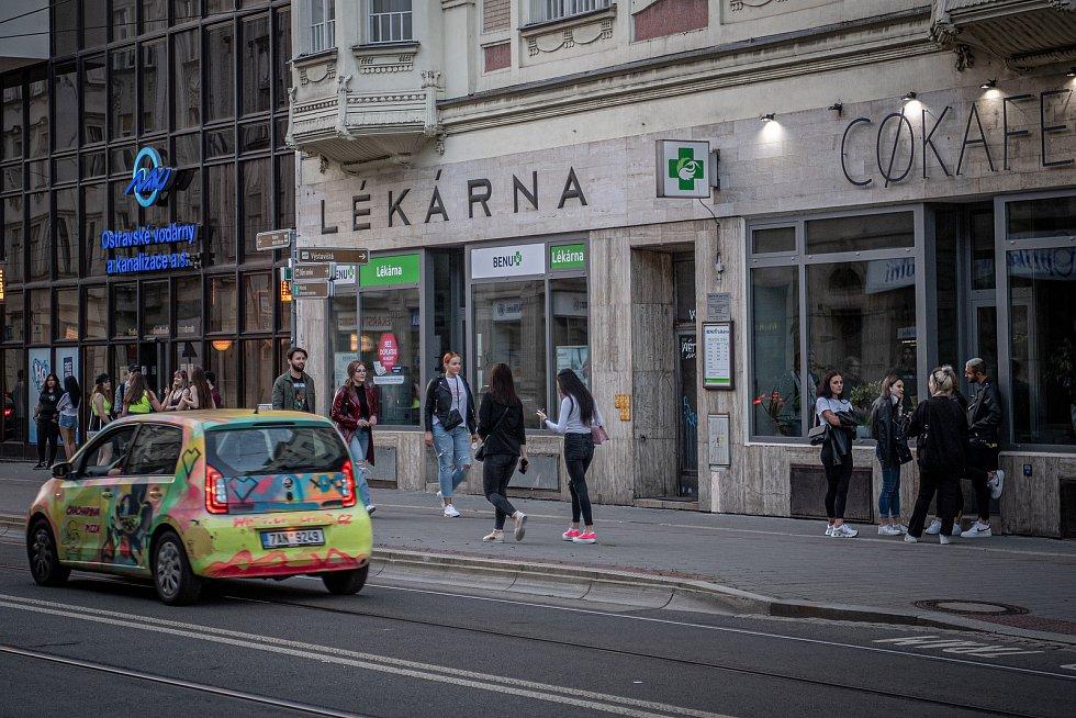 Stodolní ulice v Ostravě, 11. června 2021. Zastávka MHD Stodolní.