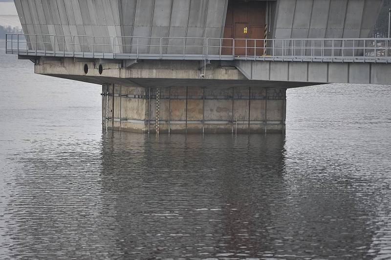 Vodní nádrž Slezská Harta, 23. ledna 2018.