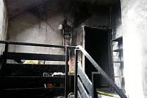 Snímek z místa požáru.