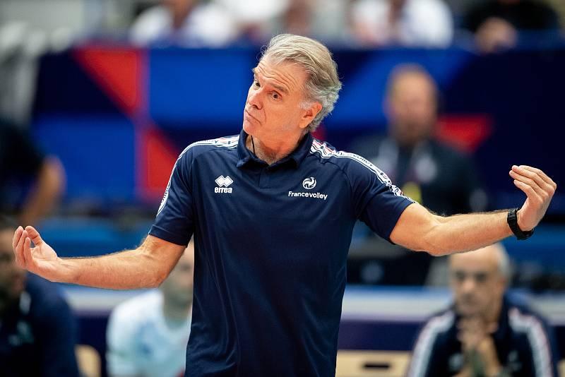 Utkání mistrovství Evropy volejbalistů - osmifinále: ČR - Francie, 13. září 2021 v Ostravě. Hlavní trenér Francie Bernardo Rocha de Rezende.