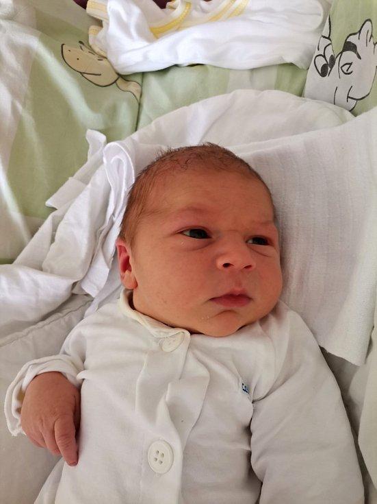 Jakub Usnul, Havířov, narozen 2. června 2021 v Havířově, míra 52 cm, váha 4350 g.