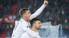 Utkání 18. kola první fotbalové ligy: FC Baník Ostrava - Bohemians Praha 1905, 8. prosince 2018 v Ostravě. Na snímku (nahoře) Ondřej Šašinka a Patrizio Stronati.