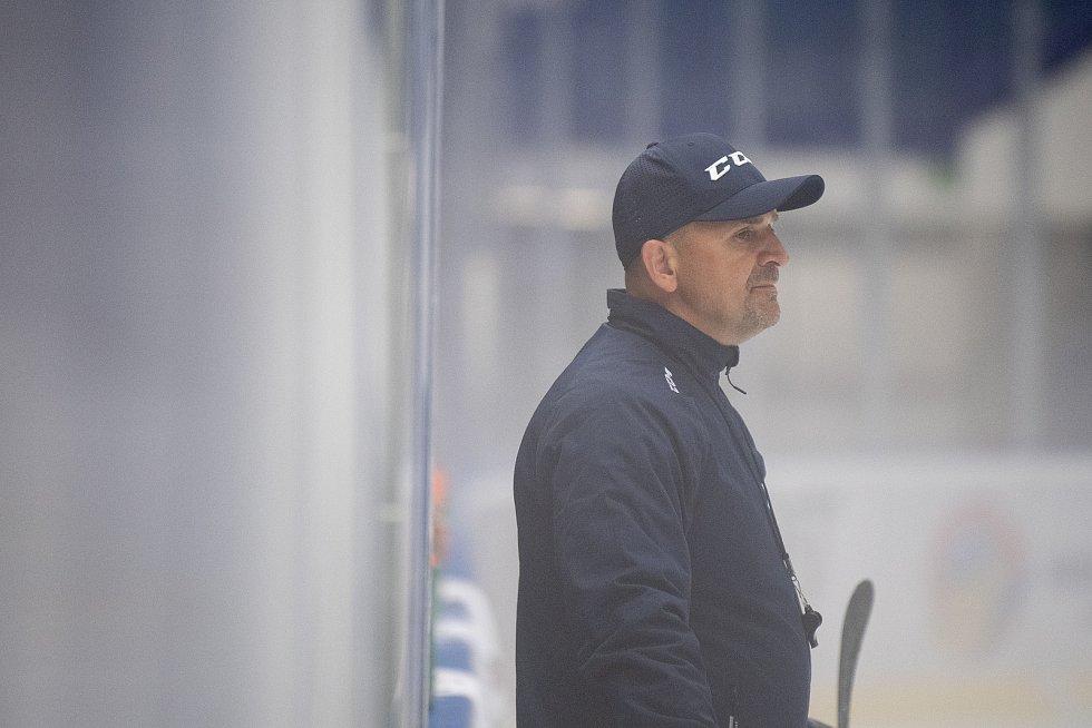 První trénink na ledě hokejistů HC Vítkovice Ridera, 26. července 2021 v Ostravě. Na snímku Miloš Holaň.
