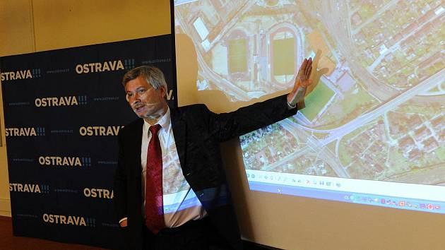 Vedení města Ostravy na středeční tiskové konferenci oznámilo, že v současné době nemá peníze na nový fotbalový stadion a pro Baník nechá upravit ten ve Vítkovicích.