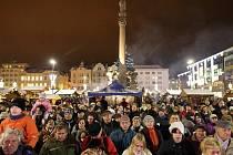 Akce Česko zpívá koledy se i letos uskutečnila v centru Ostravy na Masarykově náměstí.