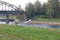 Zhruba 5,5 milionů kubíků důlní vody za rok odčerpává společnost Diamo. Tu pak vypuští do řeky Ostravice.